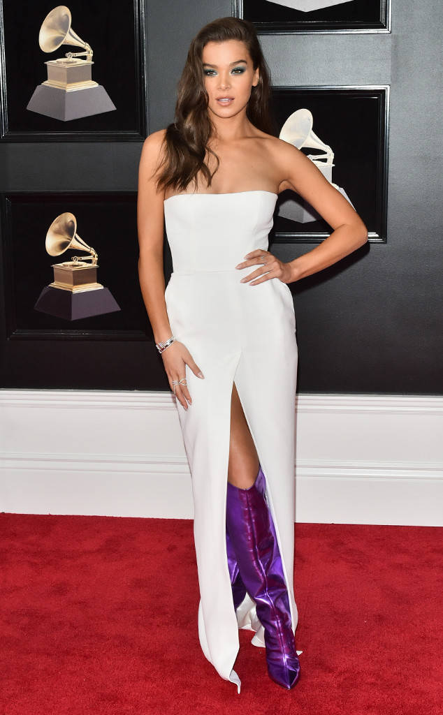 rs_634x1024-180128155140-634-red-carpet-fashion-2018-grammy-awards-hailee-steinfeld